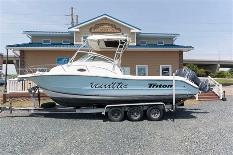 boat brokers kent island 2002 triton 2690 wa power boat for sale www yachtworld