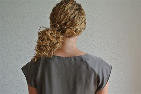 how to pull my hair back like yoland foster step by step elegant side ponytail justcurly com