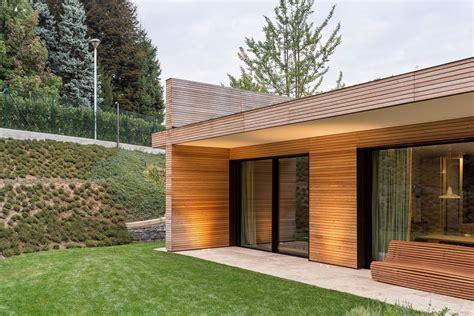 rivestimento legno esterno casa prefabbricata in legno struttura portante in legno