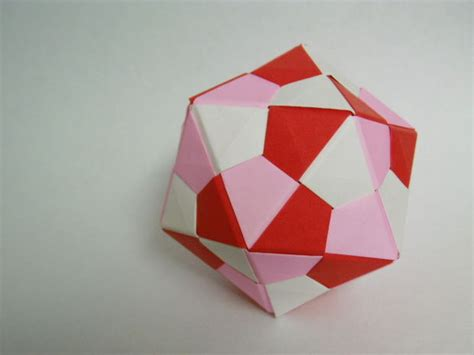 Modular Origami Folding - icosahedron modular origami 7 steps with pictures