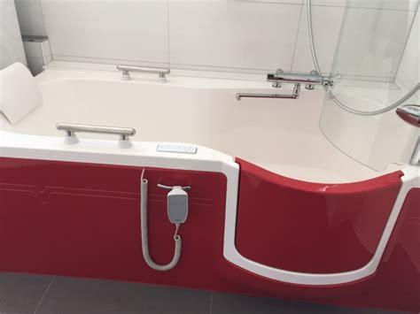 kleinste badewanne badewanne kleinste gr 246 223 e yw12 hitoiro