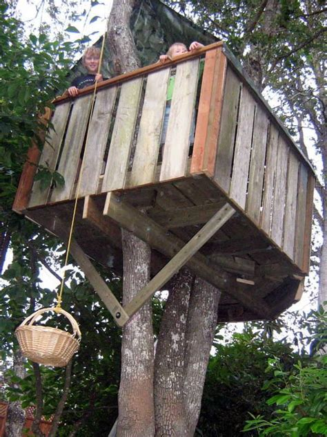 easy to build tree house plans 25 best ideas about simple tree house on pinterest kids