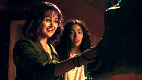 allegra acosta gif runaways stars on working with a dinosaur for a scene