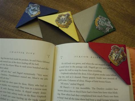 Origami Harry Potter - harry potter house themed bookmarks set of 4 origami