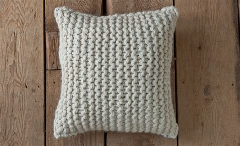 easy knit cushion cover easy knitted pillow cover needles for knitting