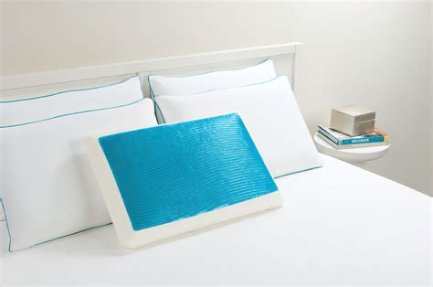 Comfort Revolution Cooling Pillow Review by Hydraluxe Cooling Gel Contour Pillow By Comfort Revolution
