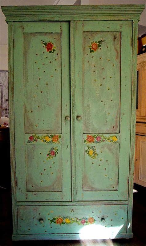 7 spunti per un armadio in stile shabby chic provenzale e