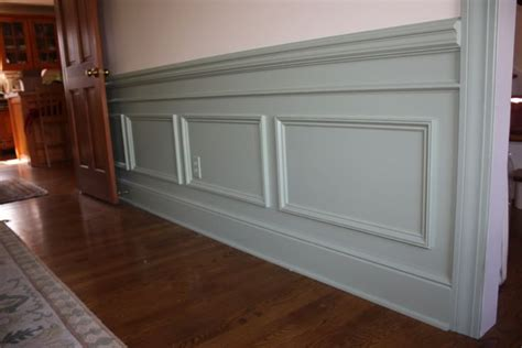 Frame Wainscoting by This Is Similar To The New Style Of Faux Wainscoting We