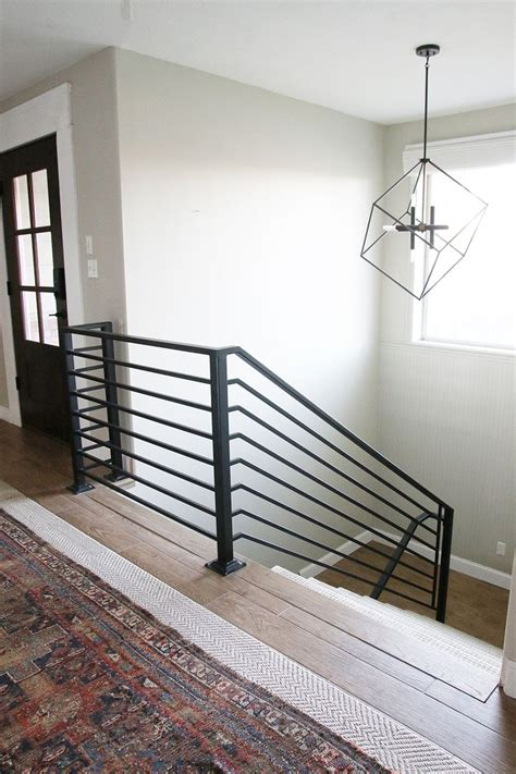 Aluminum Railings For Stairs 25 Best Ideas About Metal Stair Railing On