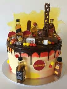 alkohol kuchen 25 best ideas about liquor bottle cake on