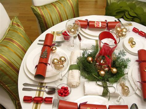 christmas table decorating ideas on a budget decorations 5 ways to decorate your table on a budget squawkfox