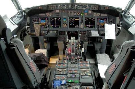 cabina pilotaggio aereo a volar copiloto lo 250 ltimo de ryanair mochila viajera