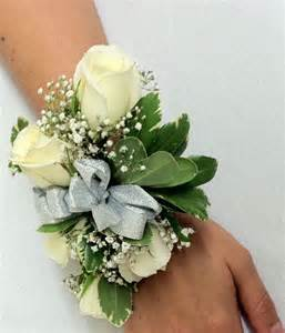 corsage and boutonniere for homecoming homecoming in albuquerque means corsages and boutonnieres peoples flowers