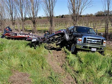 bass fishing boat accident 1000 images about bass boat stuff on pinterest parks