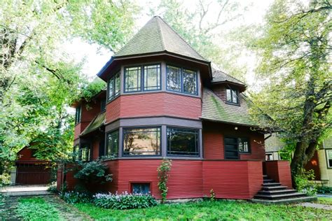 2 Bedroom Houses frank lloyd wright bootleg home sells in 2 months