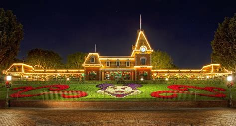 christmas  disneyland hd wallpaper hd latest wallpapers