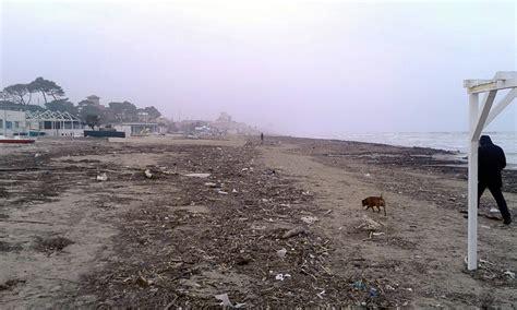 spiaggia porto san giorgio questa 232 la situazione di molte spiagge italiane oo