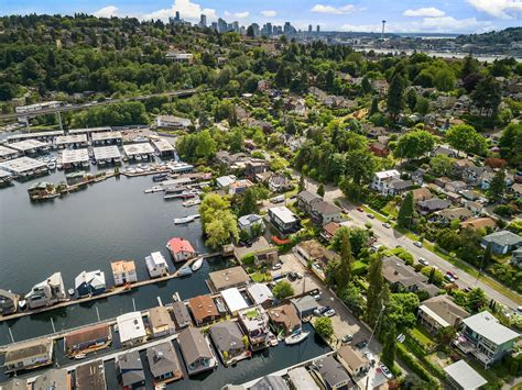 houseboat airbnb seattle seattle afloat seattle houseboats floating homes