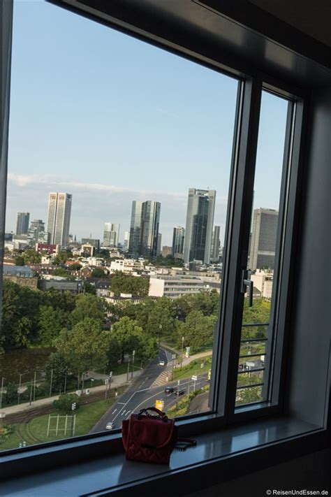 maritim frankfurt am blick auf die skyline im maritim hotel frankfurt