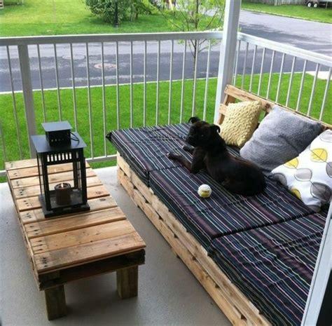 sofa aus paletten eine perfekte vollendung des interieurs - Balkon Paletten