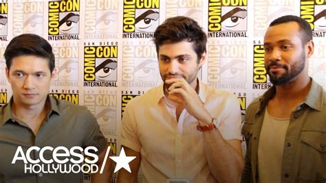 matthew daddario comic con shadowhunters at comic con harry shum jr matthew