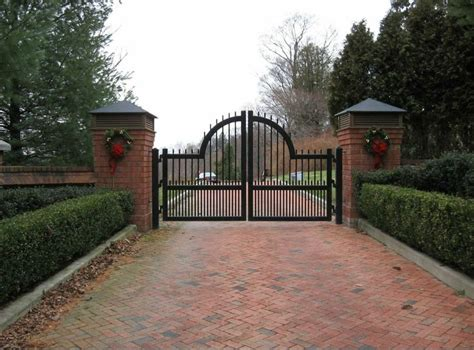 christmas driveways on pininterest 13 best sculptural and ornamental driveway gate designs images on gate design