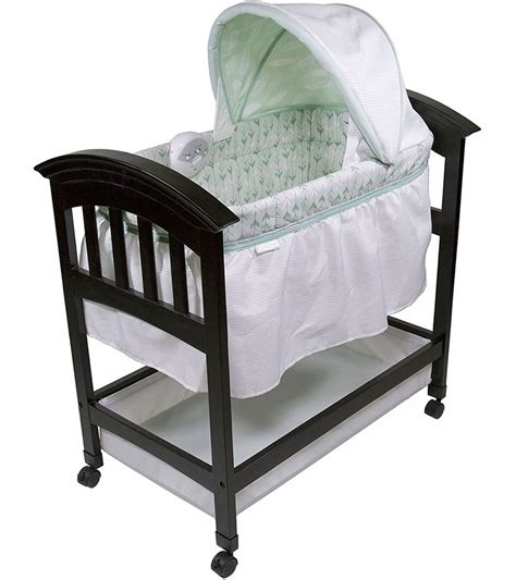 classic comfort wood bassinet summer infant classic comfort wood bassinet on point