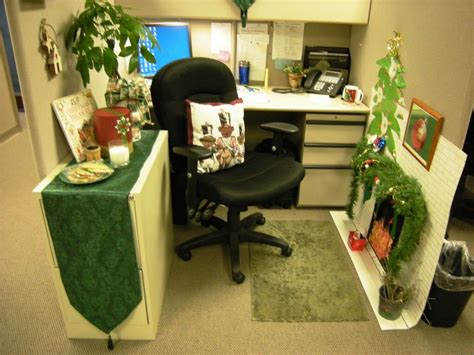 how to decorate office at work decorating your cubicle in the office how to decorate a
