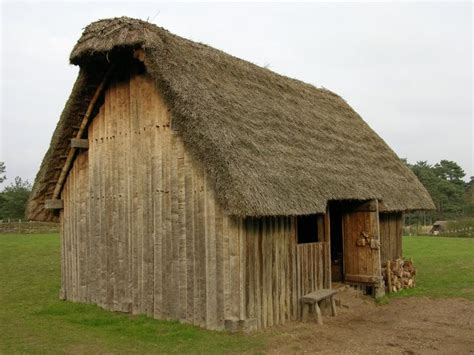 medieval houses thatched medieval house most medieval homes were cold d and dark many peasant