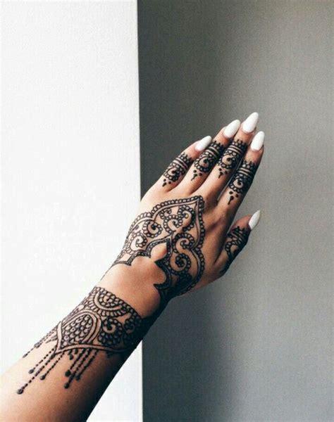 henna tattoo hand rihanna 25 best ideas about rihanna hand tattoo on pinterest