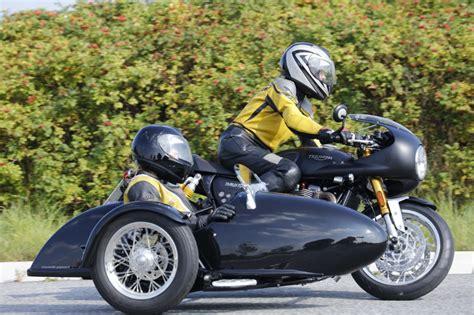 Triumph Motorrad Mit Beiwagen by Triumph Thruxton 1200 R Schwenkerumbau Mit Meteor Seitenwagen