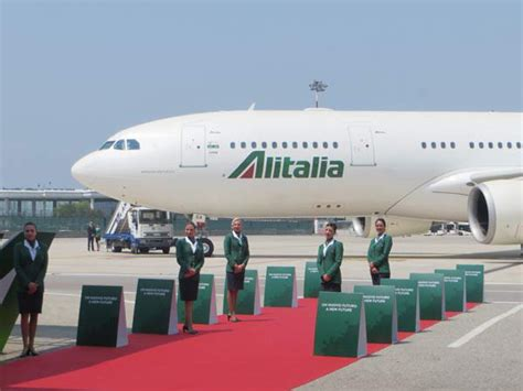 interno aereo alitalia alitalia new livery pulsione italiana in the world bluarte