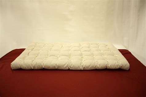 Mattress Topper For Futon by Futon Mattress Pad How To Make It Comfortable Homesfeed