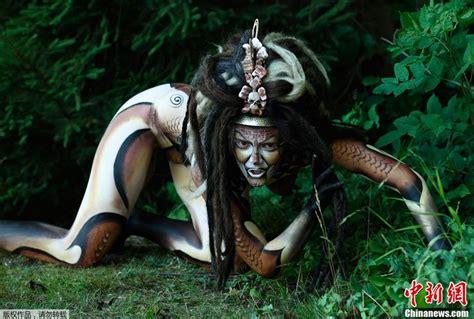 festival mundial de bodypainting en poertschach austria se celebra el festival mundial de pintura corporal en