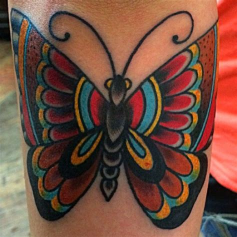 butterfly tattoo traditional the 25 best traditional butterfly tattoo ideas on