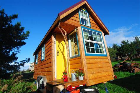 Sharla S Labyrinth Tiny House Big Freedom Ella Jenkins Tiny House