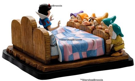 Bros Resin Snow White Bros Anak Kartun disney a moment in time snow white and the seven