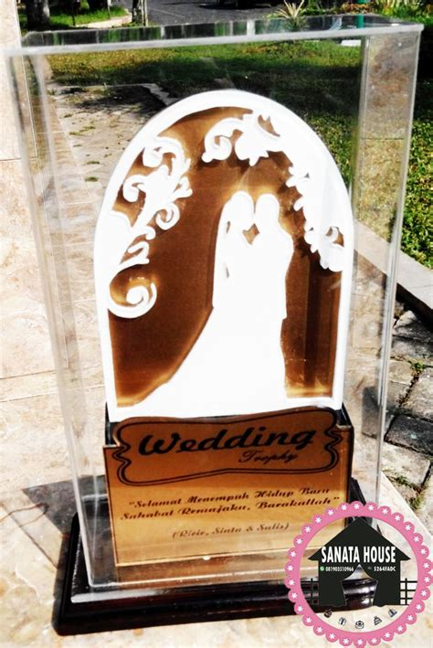 Wedding Trophy 1 jual wedding trophy cocok untuk souvenir kado pernikahan