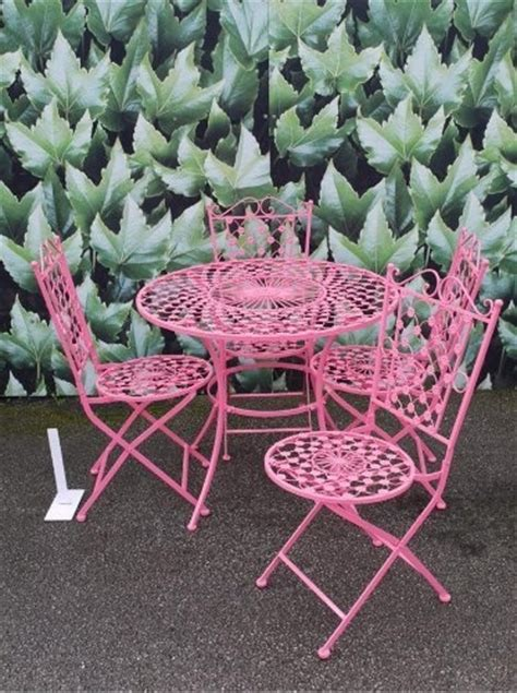 Small Metal Garden Table And Chairs by 1000 Ideas About Metal Garden Table On Garden