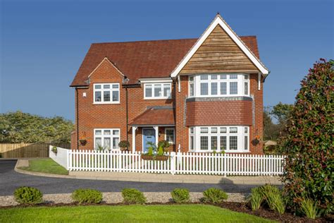 rightmove 4 bedroom house 4 bedroom detached house for sale in lancaster close