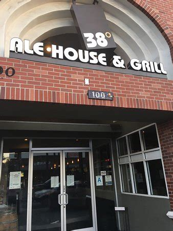 38 degrees ale house 38 degrees ale house grill alhambra 9 фото