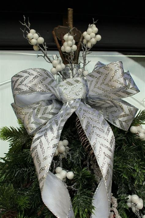 How To Make A Bow For Outdoor Wreath