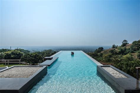 Infinity Pool by Infinity Pool House To Offer An Experience In An