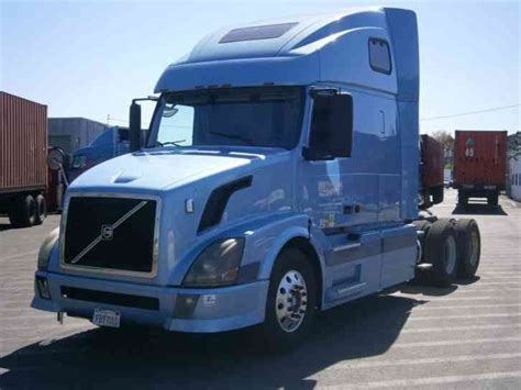 volvo semi truck sleeper volvo vnl 2006 sleeper semi trucks