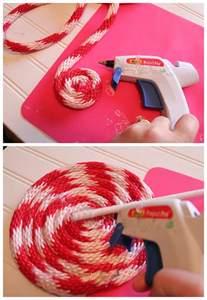 Homemade Outside Christmas Decorations Diy Peppermint Lollipops Christmas Decor