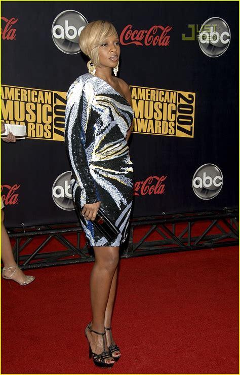 2007 American Awards J Blige by J Blige 2007 American Awards Photo 744311