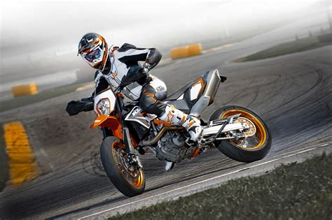 Motorrad Ktm Gebraucht by Gebrauchte Ktm 690 Smc R Motorr 228 Der Kaufen