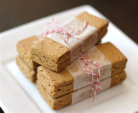 Purefit Peanut Butter Chocolate Chip Bars 57gr chockohlawtay peanut butter fudge protein bars