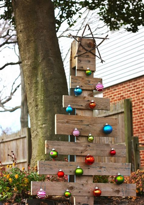 top christmas tree outside decoration pallet tree ideas creative diy decorations