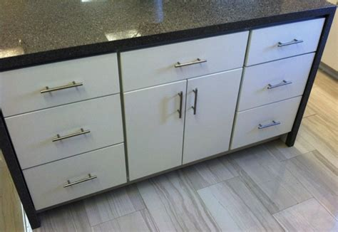 White Painted Slab Modern Kitchen Cabinets Slab Door Cabinets